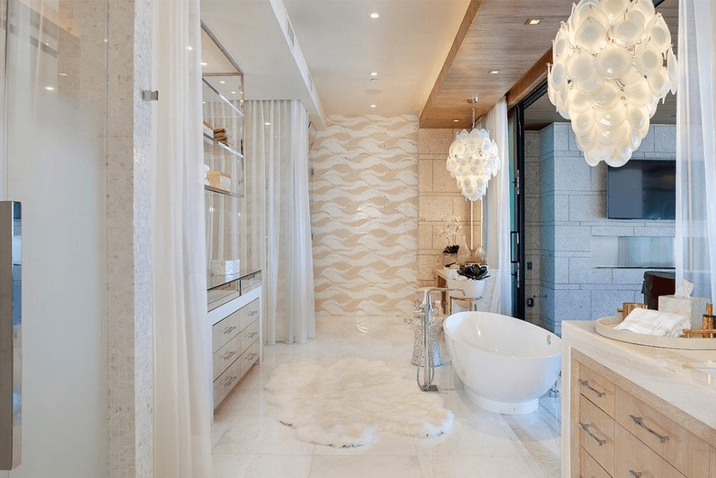 Luxurious Bathrooms And Spas